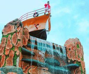 Spot Titanic Palalangon park